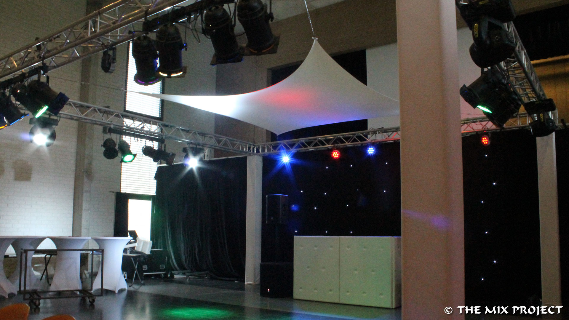 Bruiloft: discjockey, discobar, verlichting, geluid, decoratie