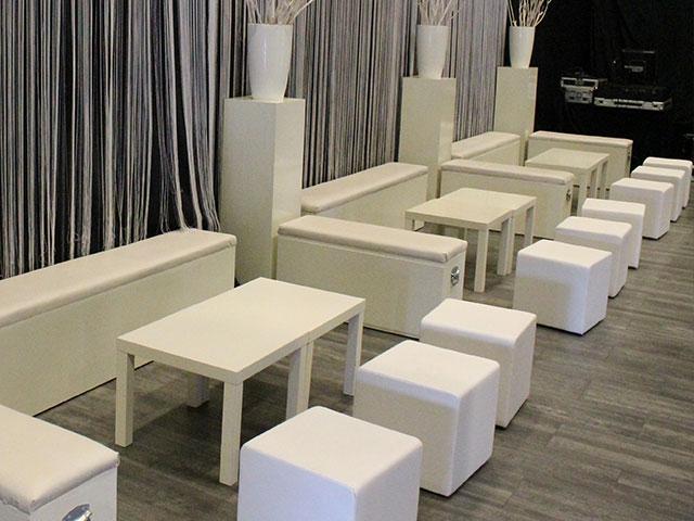 Lounge tafel wit