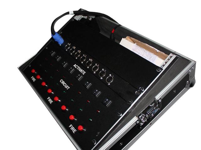 Pyrotechnics sturing, 8 kanalen, inclusief 8 ontstekingskastjes